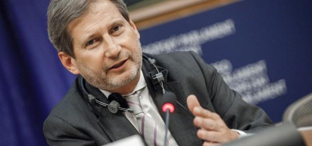 Komisarz UE Johannes Hahn o współpracy z Janem Olbrychtem
