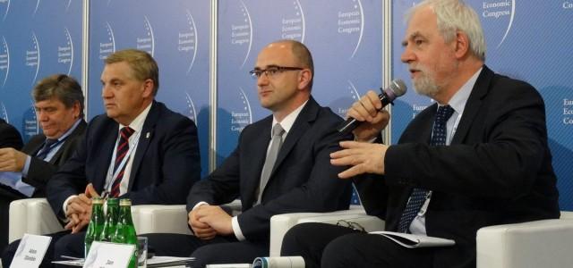 Debata o polskich samorządach