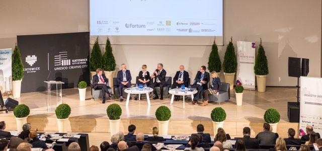 """Pierwszy dzień konferencji """"Miasto 2016 – Zarządzanie Miastem"""" – ekologia, Agenda Miejska i urbanistyka społeczna"""