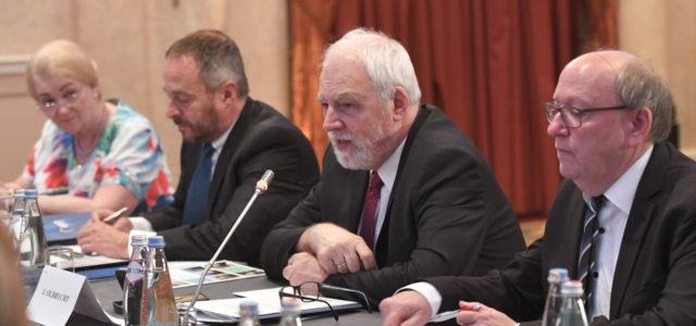 """Dialog międzywyznaniowy: Konferencja w Tbilisi """"Rola religii w procesie integracji europejskiej"""""""