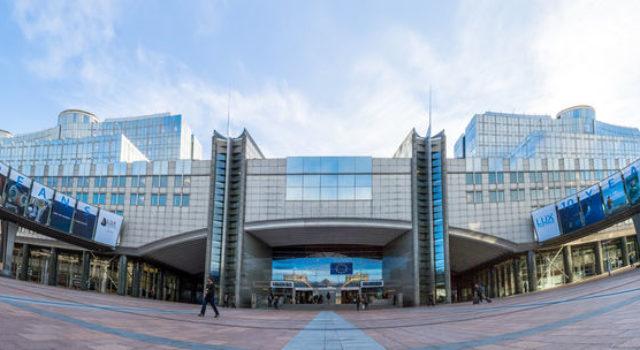 Kwiecień: Posiedzenie plenarne w Brukseli